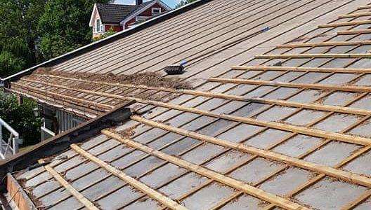 Rehabilitering av tak i gang på Nesbru!